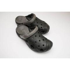 Подростковые шлепанцы Crocs-02 черно-серые